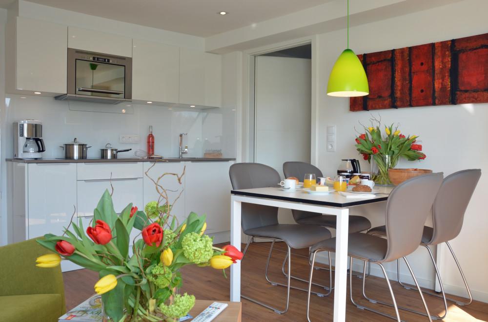Ferienwohnung nordsee auf norderney f r bis zu 4 personen - Wohn und esszimmer auf 20 qm ...